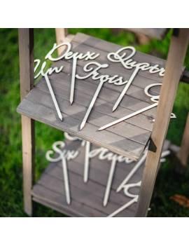 Marque-Tables sur pic en bois Un à Dix